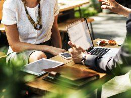 Хорошая коммуникация - залог успешной работы.