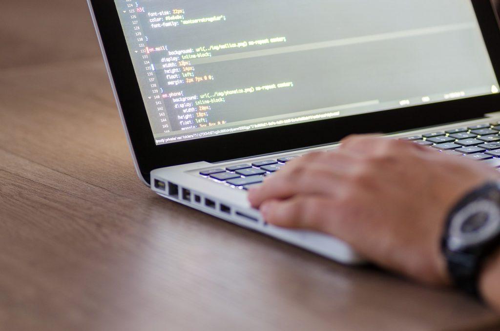 В изучении программирования важна практика