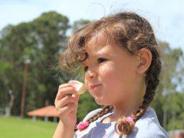 Обсуждение условий работы похоже на попытни накормить ребенка