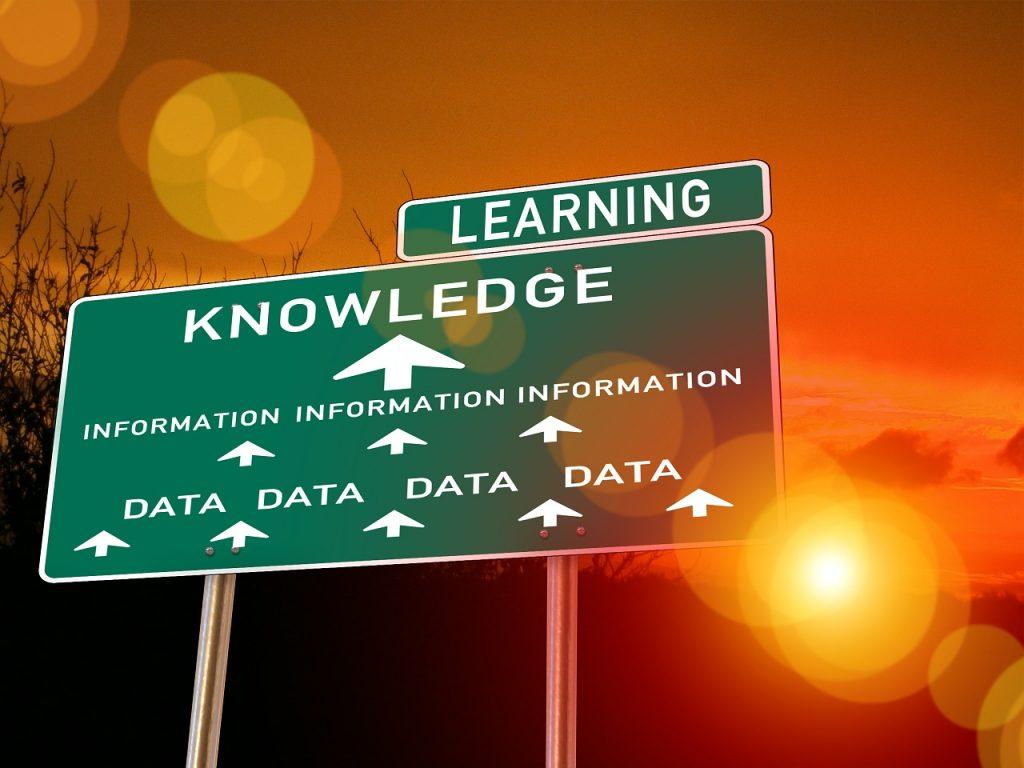 Непрерывное обучение характерно для сферы разработки