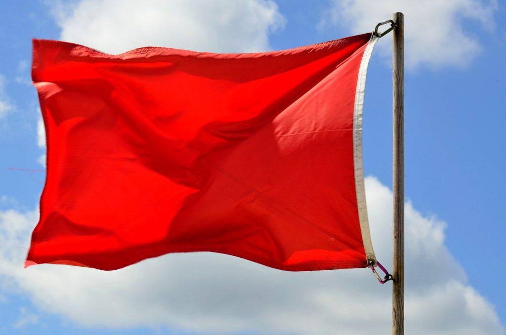 Красный флаг - предупреждение
