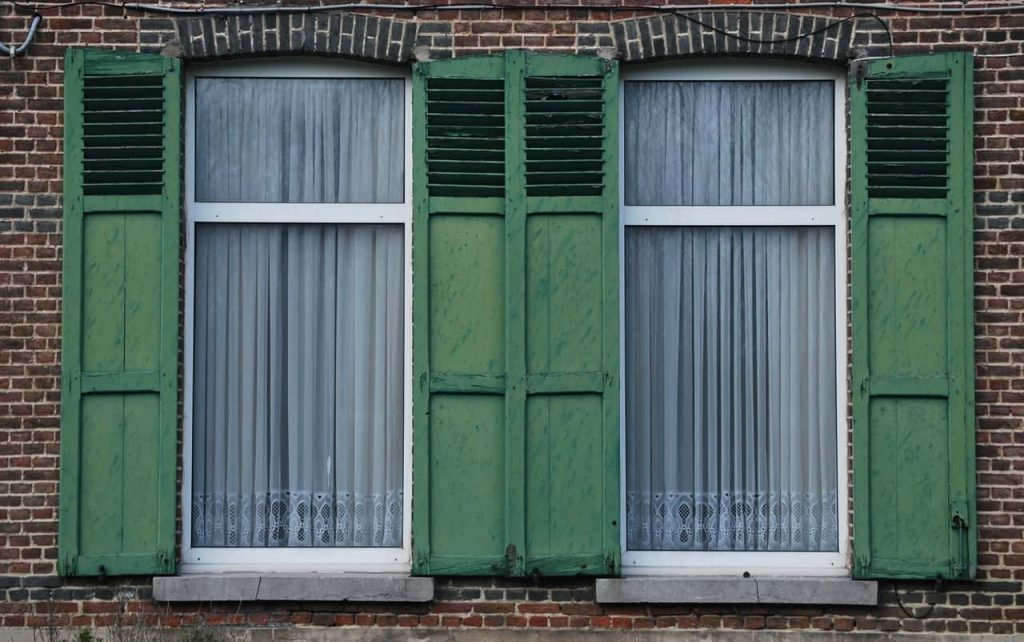Закрываем и открываем окна