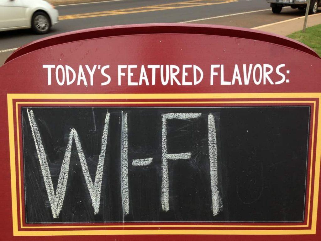 """Бесплатный Wi-Fi это риск атаки """"человек посередине"""""""