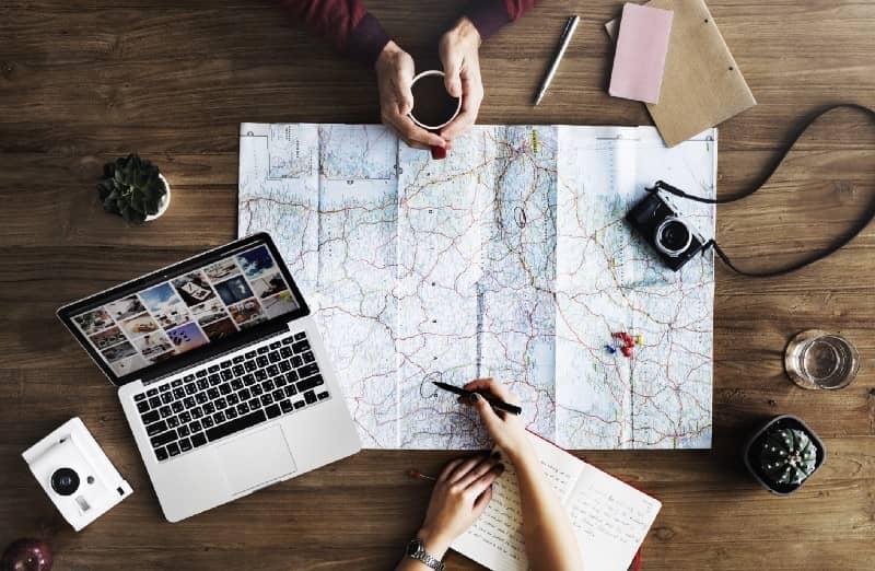 Как разработчику путешествовать и работать