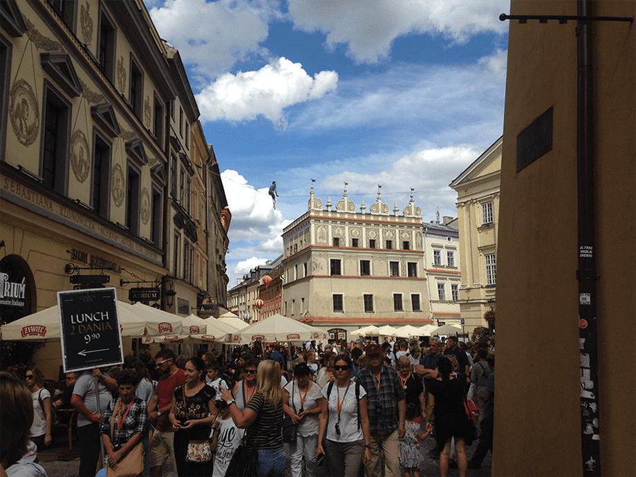 Канатоходец над Рыночной площадью в Люблине