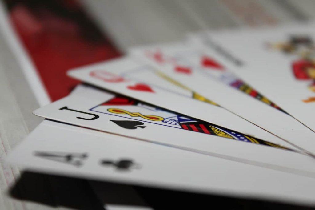 Хобби программиста - покер и блекджек